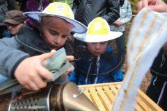 19-10-15-Včelařská-výuka-Sofronka-3157-682x1024